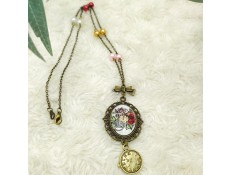 "Collier ""La Lady hors du temps"""